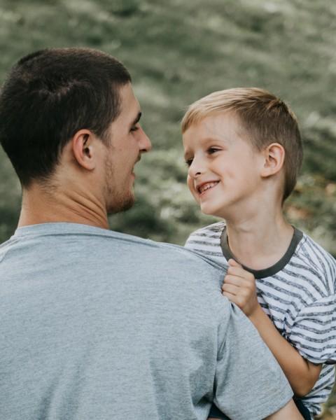 初めての子育て、我が子を立派に育てようと思えば思うほど、子供が自信を無くす罠
