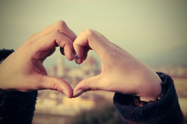 仲良し夫婦の秘訣。それは、すれ違うお互いの○○を共有すること。